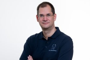 Dr. Carsten Höltkemeier